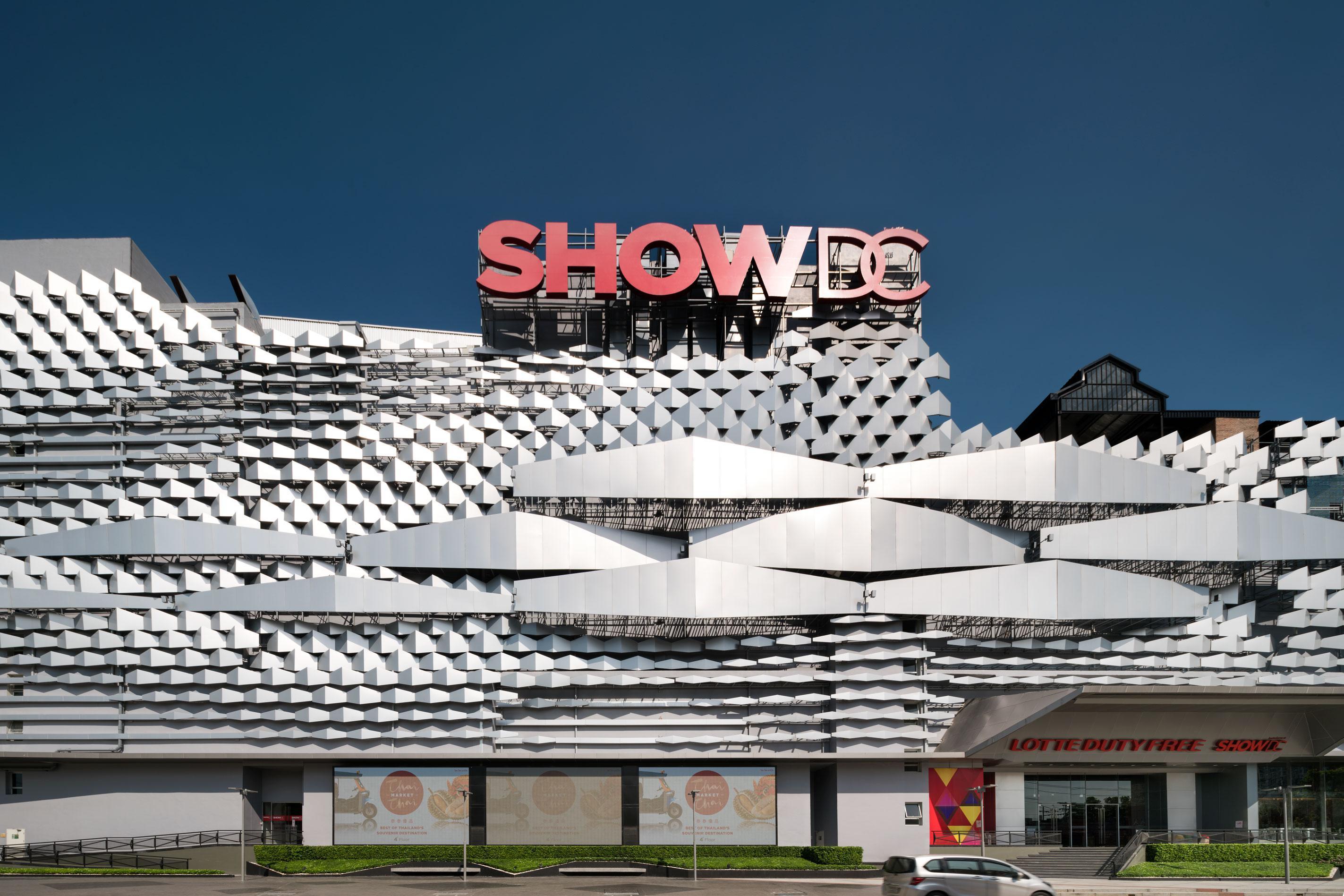 Show DC Facade Design